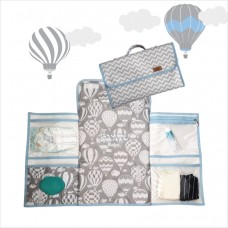 Trocador portátil chevron balão cinza azul